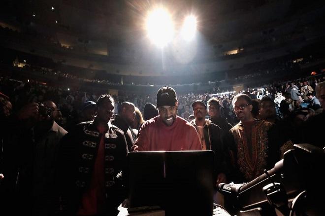 Μέχρι και η Pizza Hut «τρολάρει» τον Kanye West