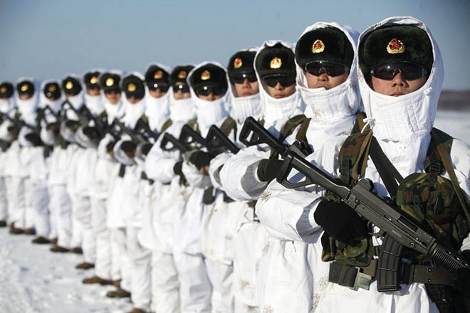 Ο κόσμος κυριολεκτικά πλημμυρίζει από κινεζικά όπλα