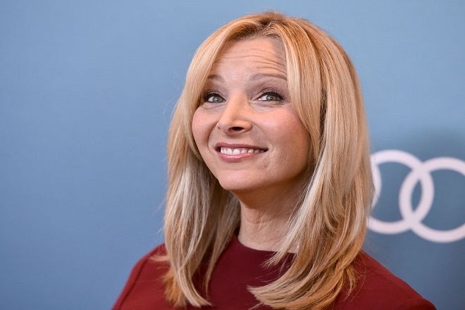 Lisa Kudrow arrives at the Variety Power of Women luncheon at the Beverly Wilshire hotel on Friday, Oct. 9, 2015, in Beverly Hills, Calif. (Photo by Jordan Strauss/Invision/AP)