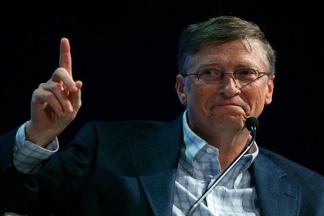 Παραμένει ο πλουσιότερος άνθρωπος του κόσμου ο Γκέιτς- Από ποιον «απειλείται»;