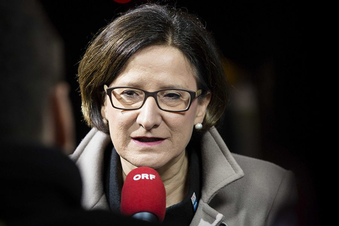 Με απειλές κατά της Ελλάδας επέλεξε να απαντήσει η Αυστριακή υπουργός Εσωτερικών