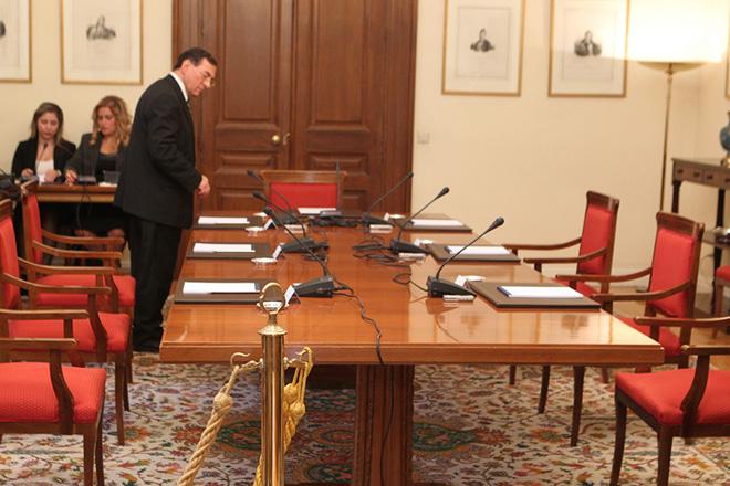 Άμεση σύγκληση συμβουλίου πολιτικών αρχηγών ζητά η ΝΔ