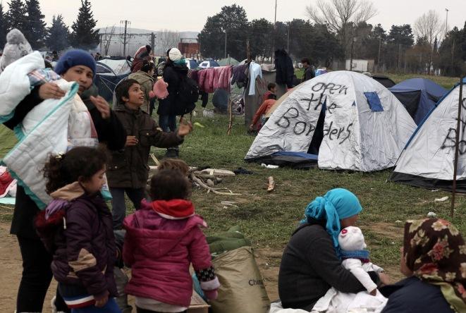 «H Ελλάδα απειλείται με νέο προσφυγικό χάος»