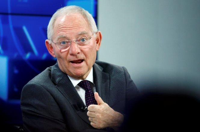 Σόιμπλε: Η Ελλάδα βελτιώνεται