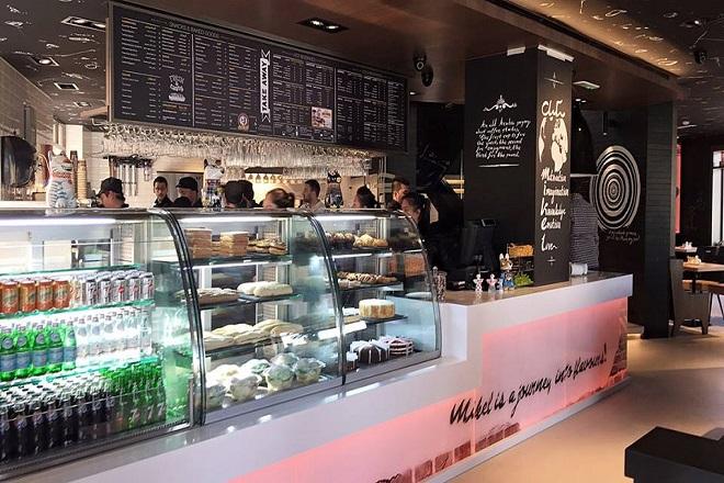 Το πρώτο κατάστημα Mikel στο Ντουμπάι είναι γεγονός