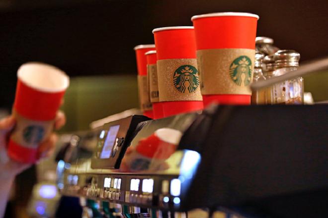 Τα Starbucks θέλουν να κάνουν τη ζωή των μαμάδων λίγο πιο εύκολη