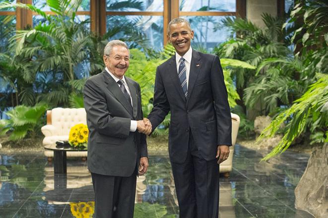 Ξεκίνησαν οι ιστορικές συνομιλίες μεταξύ Ομπάμα και Κάστρο στην Αβάνα