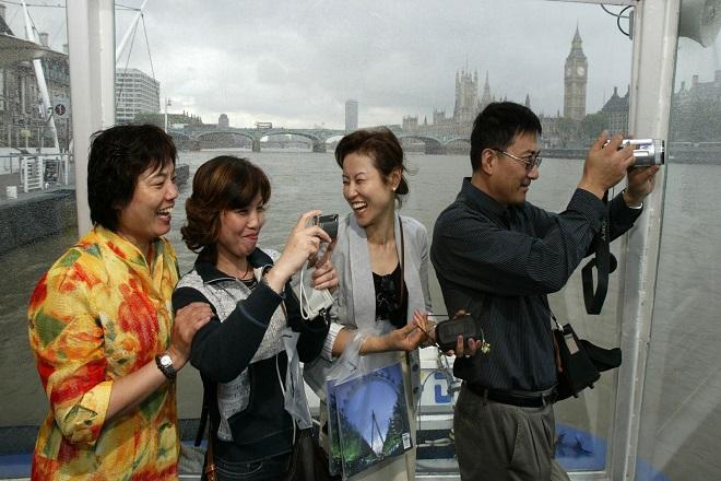 Πόσα ξόδεψαν οι Κινέζοι τουρίστες το 2015;