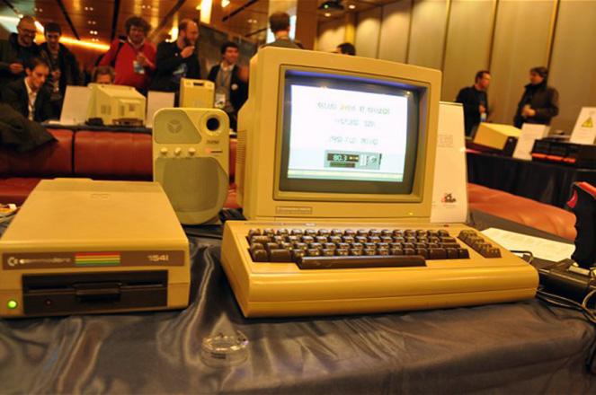 «Aθάνατη» τεχνολογία: Πώς ήταν πριν τα smartphone και την έκρηξη του διαδικτύου