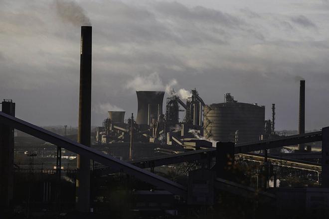 Η κρίση του χάλυβα απειλεί 15.000 θέσεις εργασίας στη Βρετανία