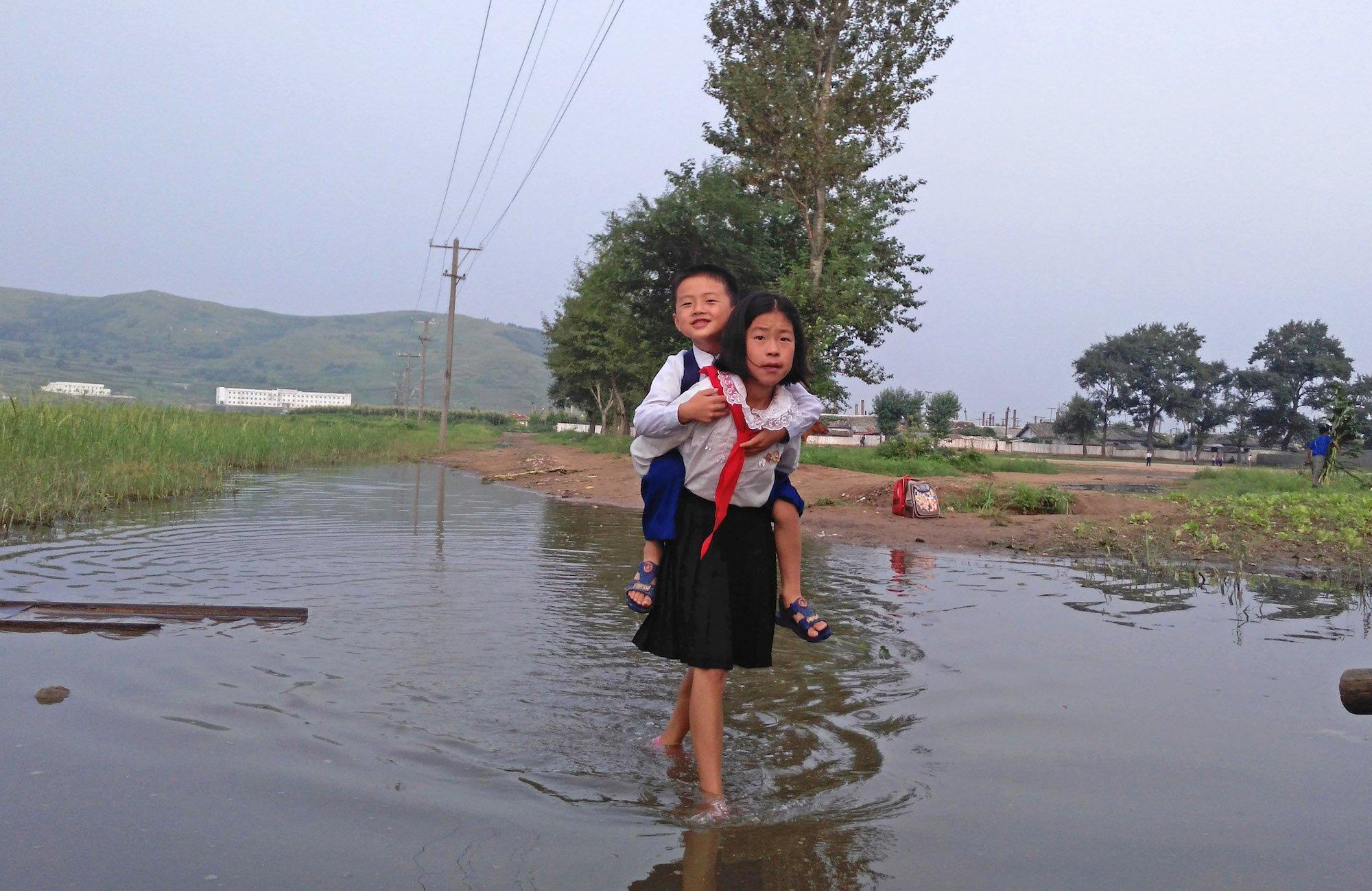 H ζωή στη Βόρεια Κορέα μέσα από ένα άλμπουμ φωτογραφιών