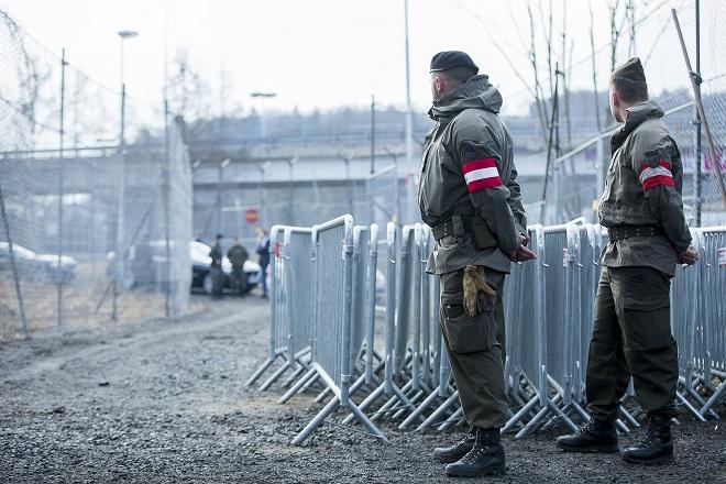 Η Αυστρία αναπτύσσει στρατό στα σύνορα με την Ιταλία
