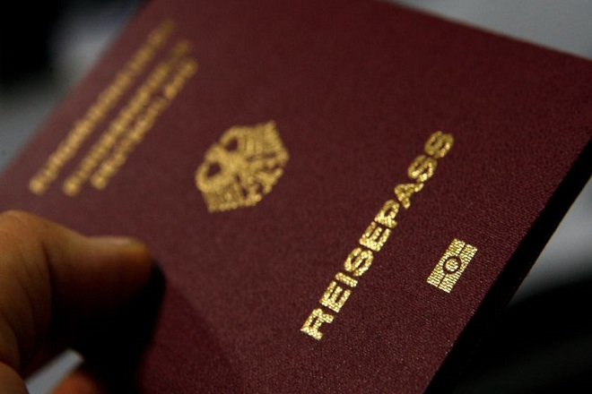 Διαβατήρια, μία αγορά δύο δισεκατομμυρίων δολαρίων