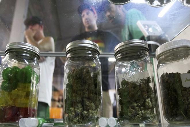 Η εταιρεία που δίνει «δώρο» μαριχουάνα στους πελάτες της