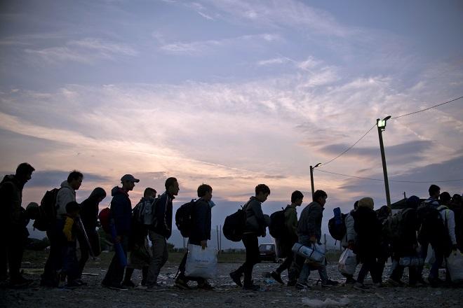 Συνεργασία Ελλάδας – Βρετανίας για τη διαχείριση των παράτυπων μεταναστών
