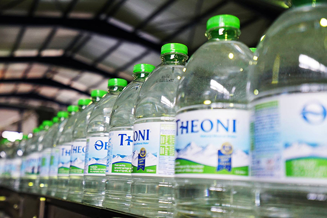 Το νερό «Θεόνη» επεκτείνεται και σε άλλες διεθνείς αγορές