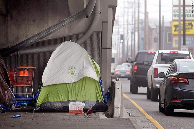 Η Amazon δίνει καταφύγιο τους άστεγους