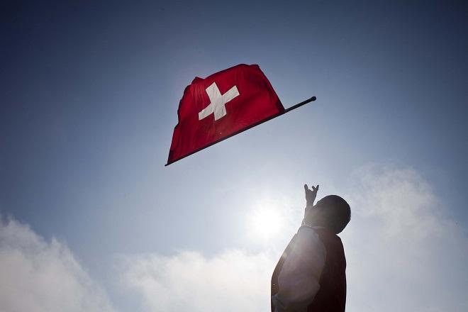 Διπλός μισθός κατά λάθος; Κι όμως συνέβη στην Ελβετία!
