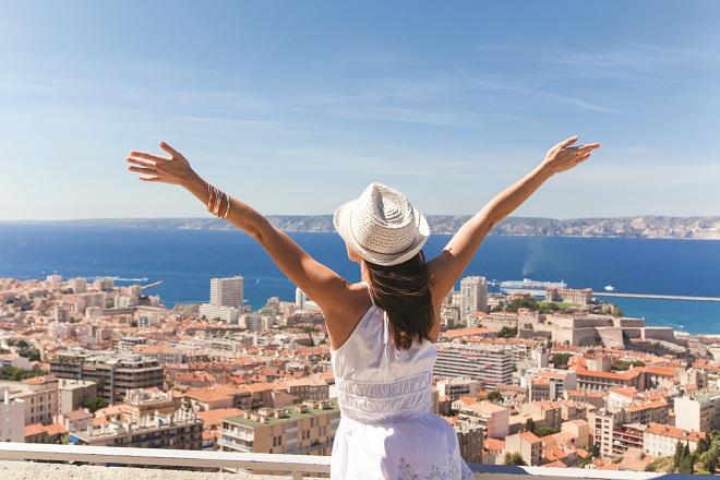 Οι καλύτεροι μήνες για να ταξιδέψετε φθηνά σε αυτούς τους top προορισμούς