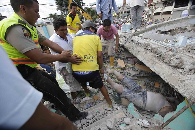 Διεθνής βοήθεια στον Ισημερινό μετά το φονικό Εγκέλαδο