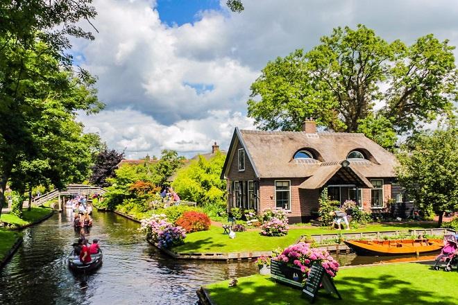 Aπίστευτα «κρυμμένα» χωριά που πρέπει να επισκεφθείτε