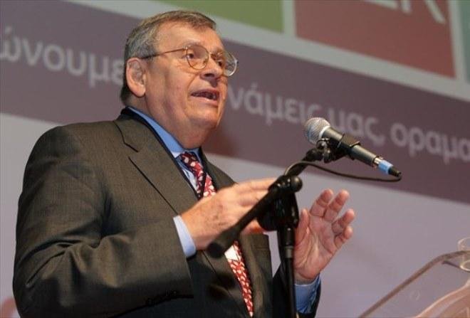 Σύνταξη για όλους 700 ευρώ προτείνει ο Στέφανος Μάνος