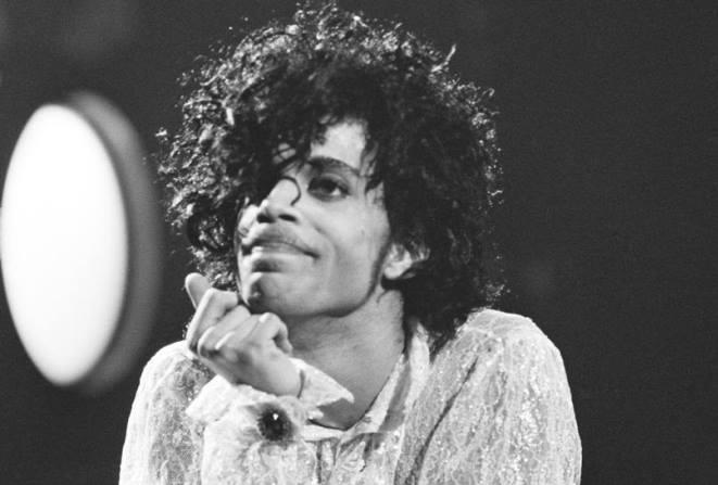Διαθέσιμη και επίσημα η μουσική του Prince στο YouTube