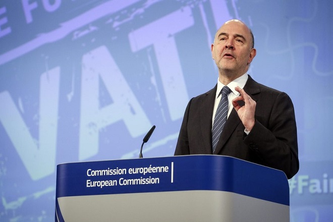epa05247377 European Commissioner in Charge of Economic and Financial Affairs Pierre Moscovici gives a press conference on VAT Action Plan and the so-called Panama Papers leak in Brussels, Belgium, 07 April 2016. The Commission presented measures to liberalise VAT legislation and give back member states more autonomy over their VAT taxation legislation.  EPA/OLIVIER HOSLET