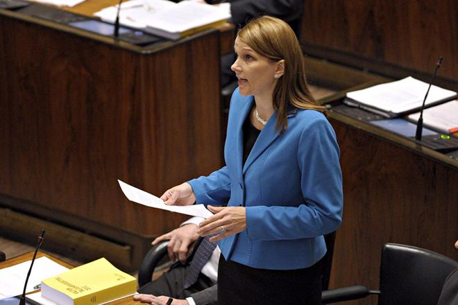 Στη βουλή της Φινλανδίας το ενδεχόμενο εξόδου από το ευρώ