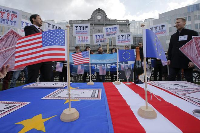 Τα τυροκομικά και η φέτα στο στόχαστρο της συμφωνίας εμπορίου ΗΠΑ-ΕΕ
