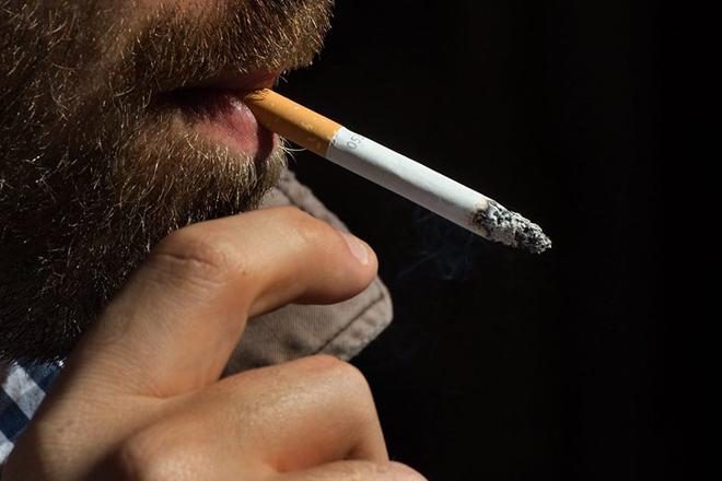 Θα κάπνιζες αν έπρεπε να πληρώσεις 30 ευρώ το πακέτο;