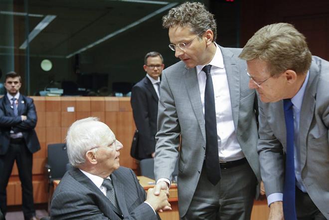 MNI: Προς δόσεις με το σταγονόμετρο με απόφαση του Eurogroup