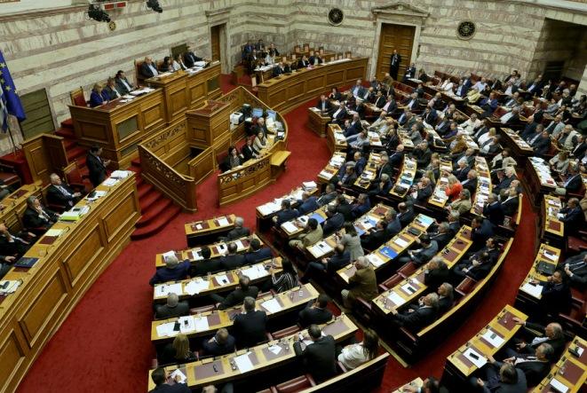 Στη δεύτερη ψηφοφορία η εκλογή ΠτΔ, η βουλευτική ασυλία, η ποινική ευθύνη των υπουργών και η κατοχύρωση της θρησκευτικής ουδετερότητας του κράτους