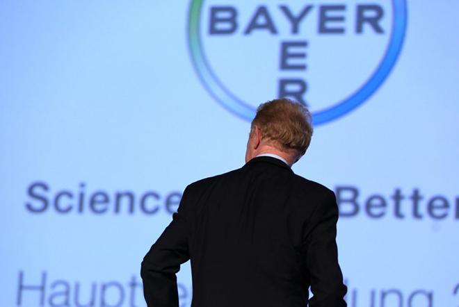 «Όχι» στα 64 δισ. δολάρια της Bayer