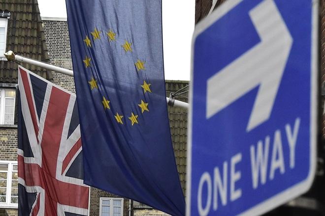Στα «χαρακώματα» ΕΕ-Βρετανία για το μέλλον του City μετά το Brexit