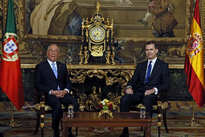 Αναβολή των οικονομικών κυρώσεων σε Ισπανία και Πορτογαλία μέχρι τον Ιούλιο