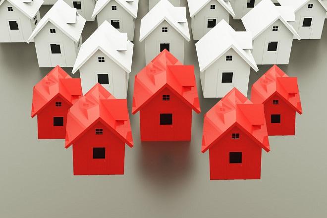 Φουλ ολοταχώς για τον νέο «νόμο Κατσέλη» για την προστασία της πρώτης κατοικίας