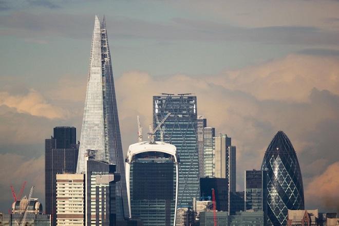 Στα ύψη η αβεβαιότητα των βρετανικών εταιρειών