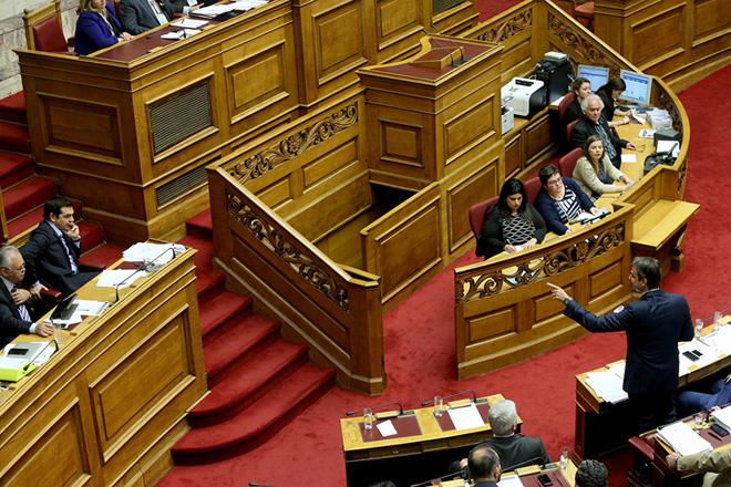 Κυβερνητικός ελιγμός για τις 200 ψήφους του εκλογικού νόμου