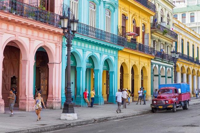 Τι αλλάζει στην Κούβα: Από τη μόδα μέχρι τις επενδύσεις και την τεχνολογία