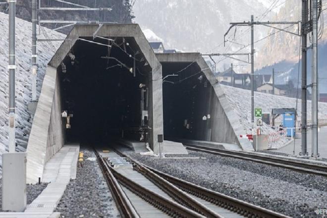 Εγκαινιάστηκε η μακρύτερη σιδηροδρομική σήραγγα στον κόσμο