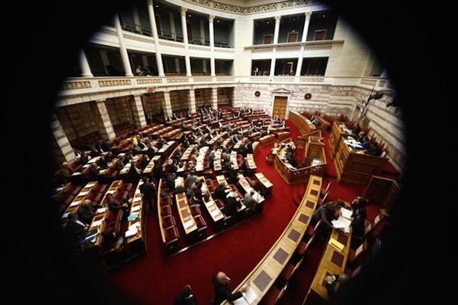 Επτά στους δέκα Έλληνες συμφωνούν με την τροπολογία για τις offshore