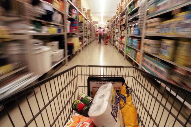 Πόσο φτωχότερος έγινε ο μέσος Έλληνας καταναλωτής
