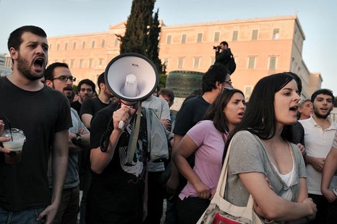 Ο τρόπος ζωής στη χώρα διώχνει τους Έλληνες στο  εξωτερικό