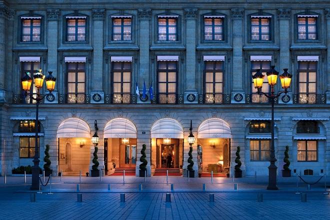 To Ritz «ανοίγει» ξανά τις πόρτες του στο Παρίσι