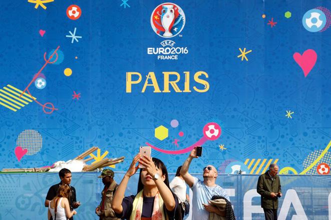 Χωρίς Euro 2016 οι γαλλικές πλατείες και τα ανοιχτά μπαρ