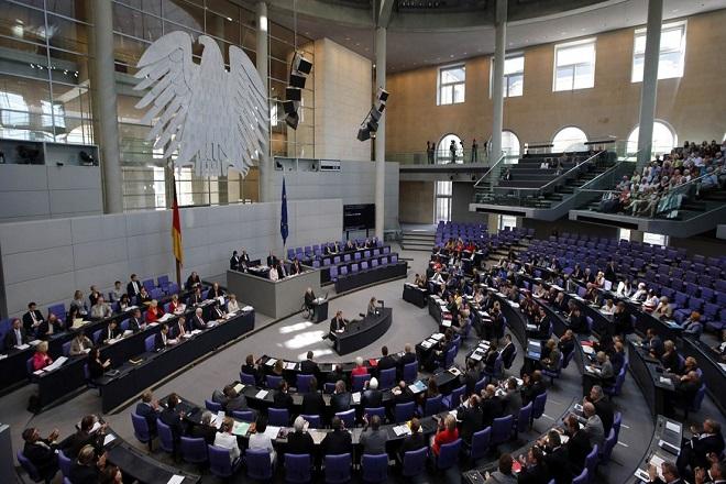 H γερμανική βουλή ενέκρινε την εκταμίευση της δόσης για την Ελλάδα