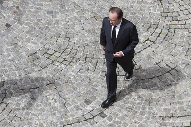 Ο Ολάντ δηλώνει έτοιμος να απαγορεύσει τις απεργίες λόγω Euro 2016