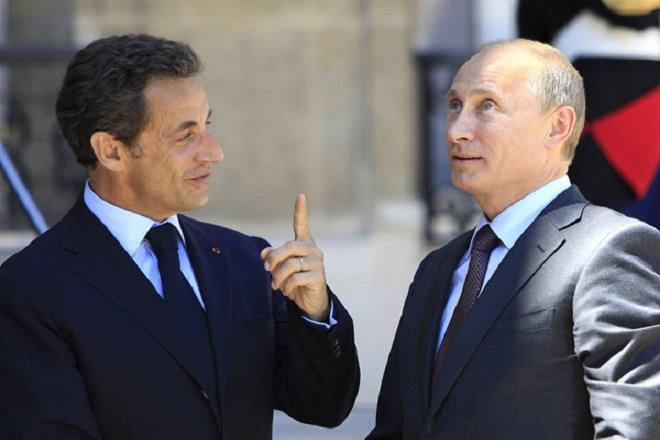Σαρκοζί προς Πούτιν: Προχωρήστε στην άρση των κυρώσεων