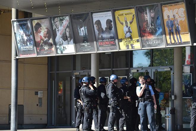 Πολλαπλοί πυροβολισμοί σε κινηματογράφους στη Γερμανία – Νεκρός ο δράστης